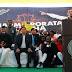 नायडू के धरने में मनमोहन सहित पहुंचे कई नेता    Many leaders, including Manmohan, join Naidu's dharna