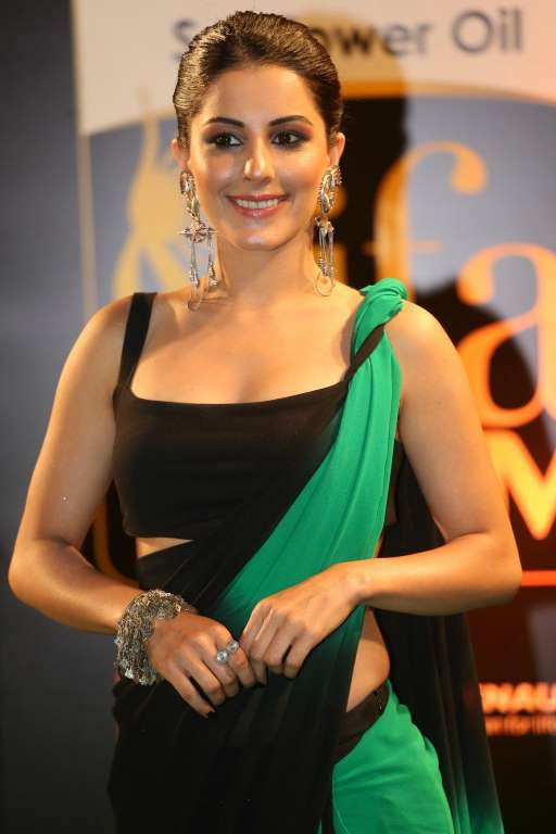 Isha Talwar looked stunning at IIFA Utsavam