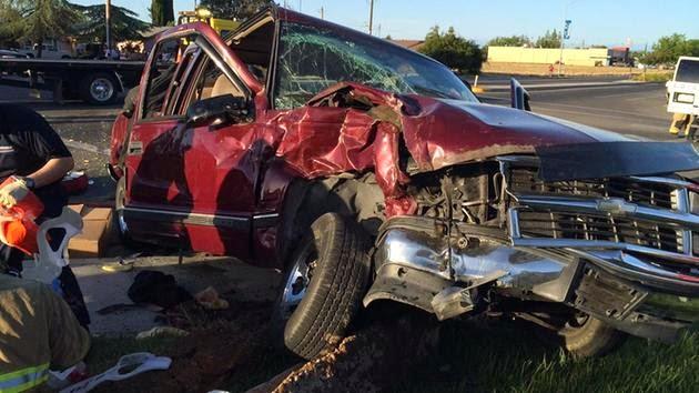 madera car crash five people hurt cleveland austin avenue