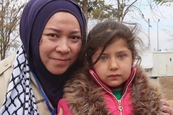 Ternyata Inilah Alasannya Mengapa Dua Anak Palestina Gagal di adopsi Melly Goeslaw