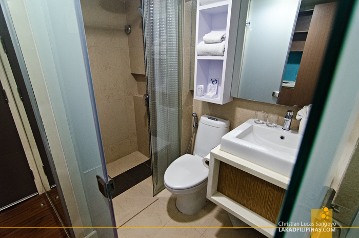 Ferra Hotel Boracay One Bedroom Loft Toilet & Bath