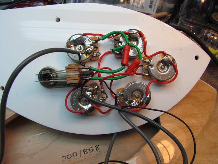 Rickenbacker Treble Cap Switch Mod Crawls Backward  When