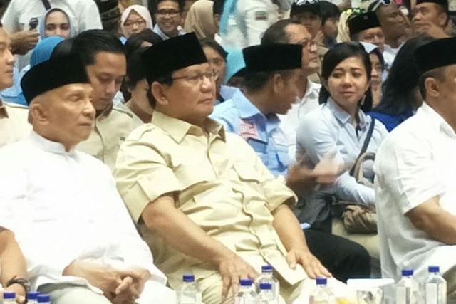 "Canda Prabowo Kala Minum Kopi di Hadapan Relawan : ""Mana kopi gue nih, mana kopi gue?"""