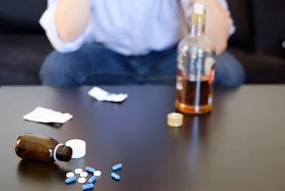 Наркотическая зависимость может начаться с алкогольной зависимости