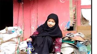 Firna Gadis Pemulung Sampah Raih Predikat Cumlaude