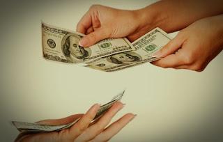 Pendidikan Islam Usia Dini: Bolehkah Guru dan Orangtua Memberi Uang Jajan atau Hadiah Berupa Uang kepada Anak-Anak?