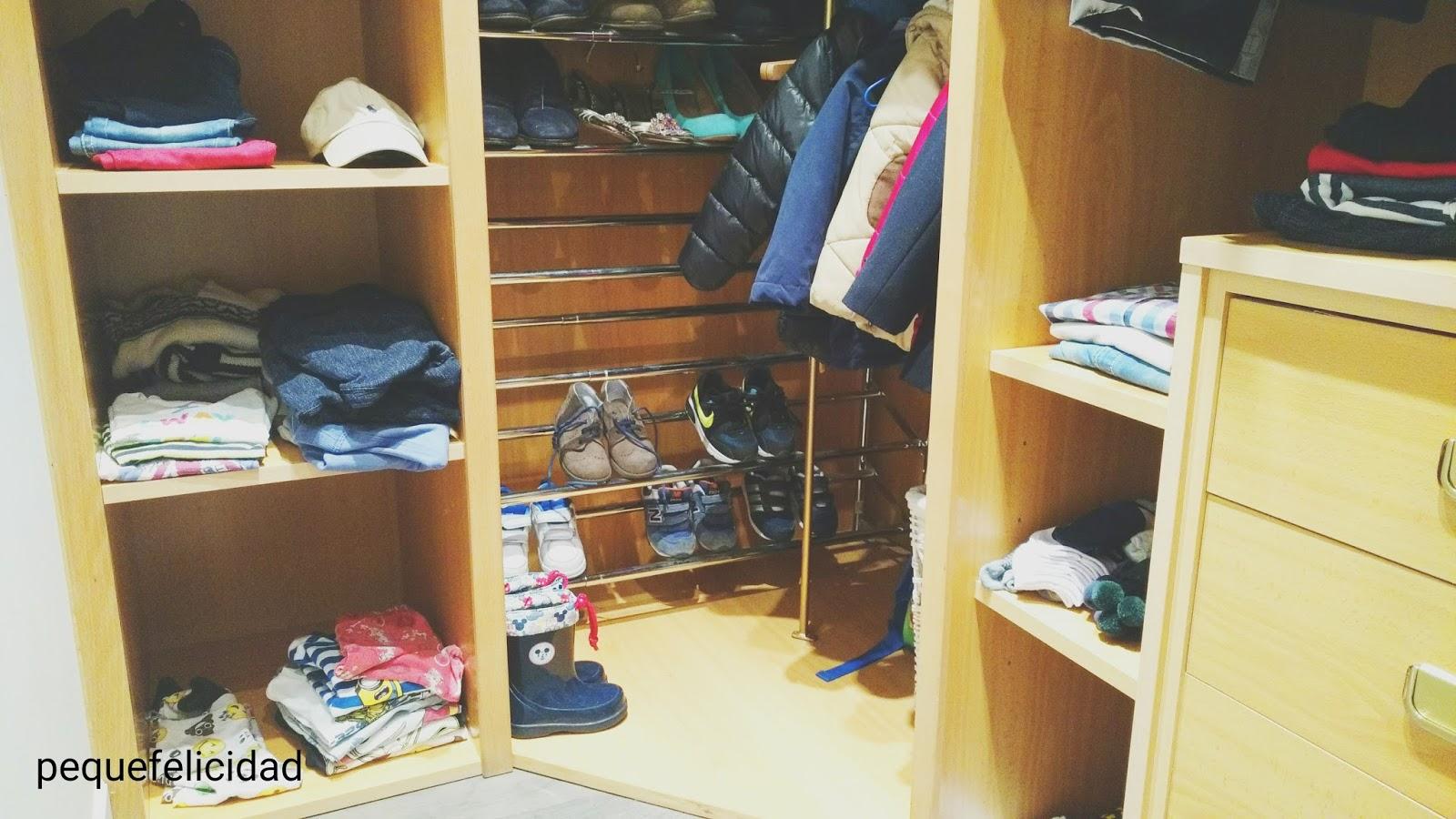 Pequefelicidad armarios montessori for Espejo y barra montessori