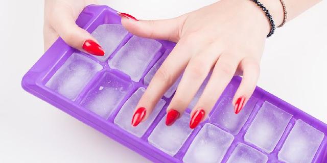 tips menghilangkan kantung mata hitam dengan es batu