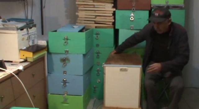 Μελισσοκομικός θερμοθάλαμος ξύλινος και οικονομικός για ξεπάγωμα μελιού (πατέντα)