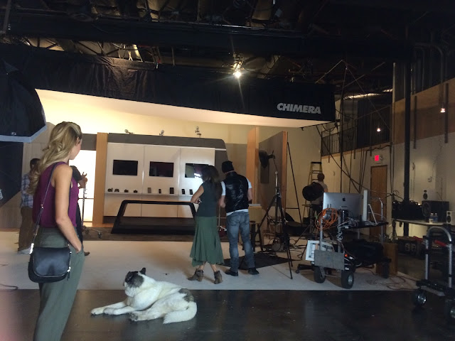 Behind-The-Scenes-Watching