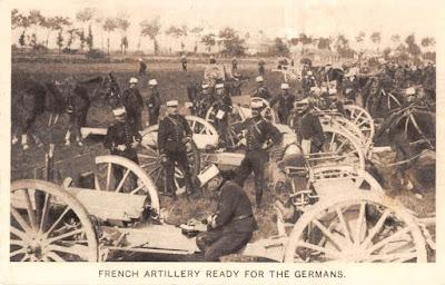 Carte postale: une batterie de 75 prête pour le combat.
