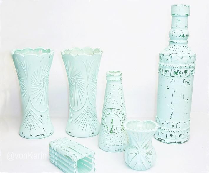 Glasvasen und Flaschen mit Kreidefarbe bemalen