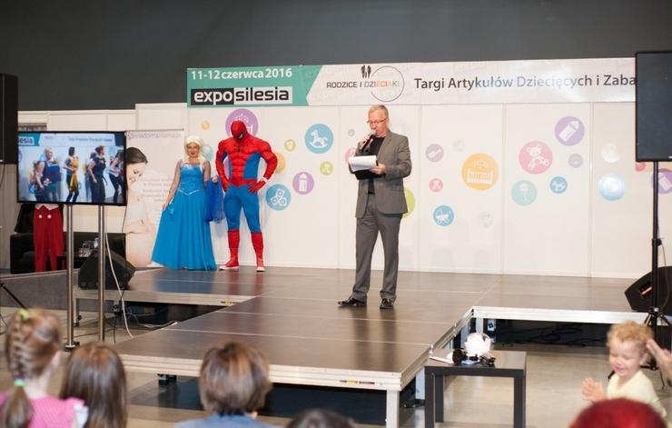 Mamblog II Targi rodzice i dzieciaki  scena elza spiderman