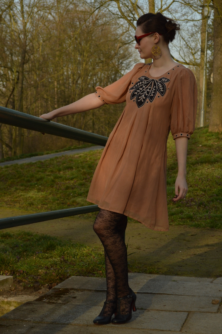 fashion blogger, czech, vintage, quaintrelle, georgiana quaint, secondhand, tamaris, elegant, nude