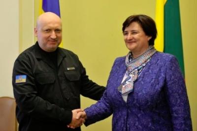 Турчинов: пастор и секретарь валютной безопасности Украины