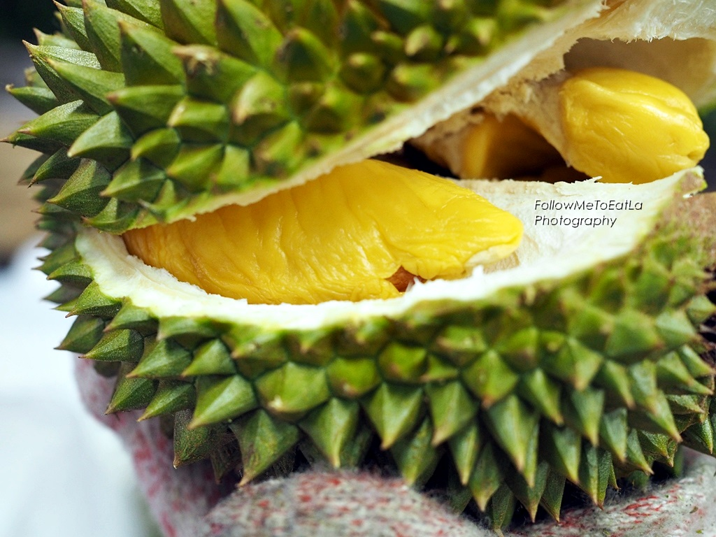 Follow Me To Eat La - Malaysian Food Blog: Durian - King Of Fruit Season is Here In Malaysia