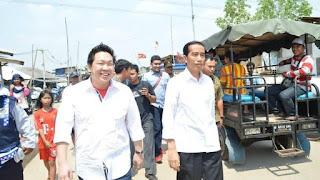 Politisi PDI Perjuangan Charles Honoris bersama Presiden Joko Widodo. Foto: dokumen pribadi