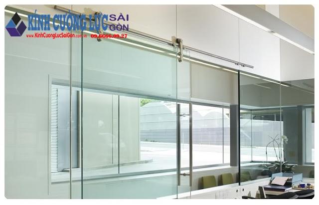 Nên bố trí cửa kính trượt ngang dành riêng cho ngôi nhà diện tích nhỏ