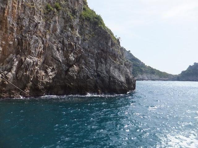 Entrada a la Gruta Esmeralda, Costa Amalfitana