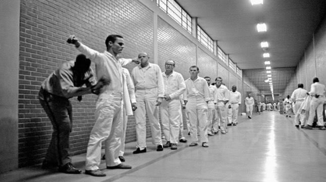 White Room - Hukuman Pelik, Tidak Menyakitkan Tapi Kejam