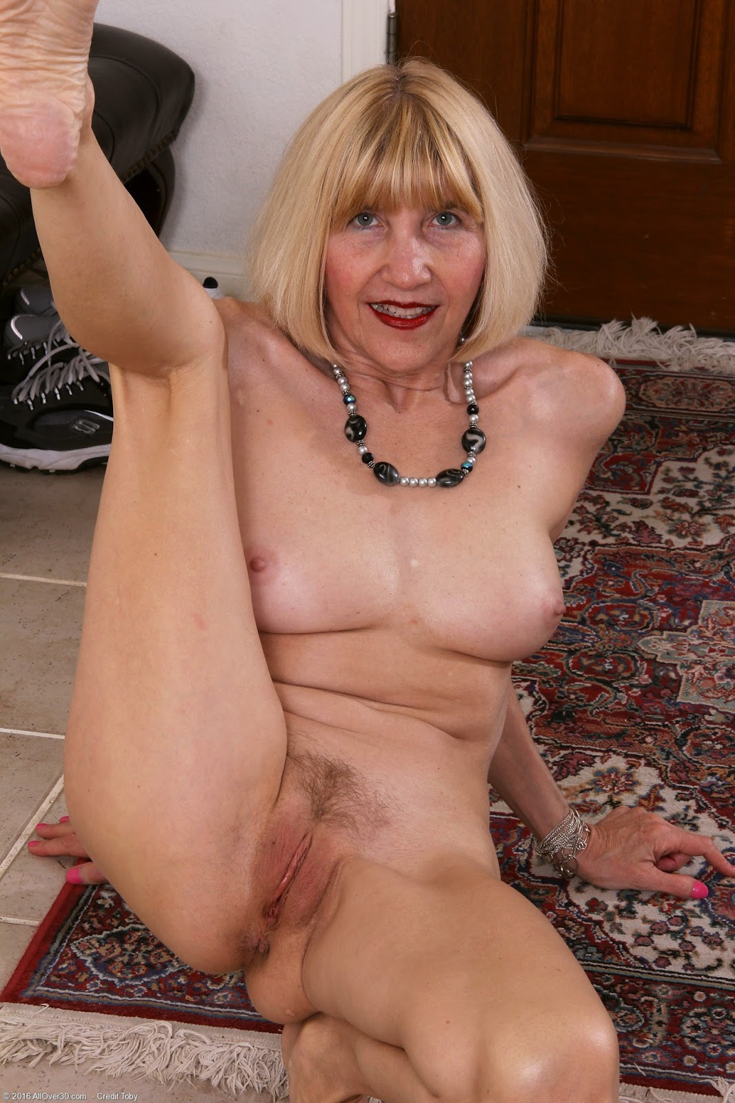 Mature Sexy Women Naked