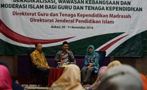 Guru Madrasah Membuka Wawasan Kebangsaan dan Moderasi Islam