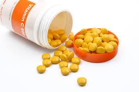فوائد فيتامين سى للبشره الدهنيه والجافه 2019