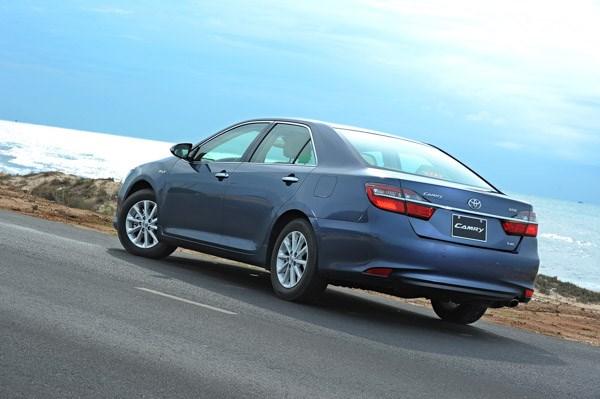 Phần đuôi xe được thiết kế lại trẻ trung hơn nhưng không kém phần sang trọng