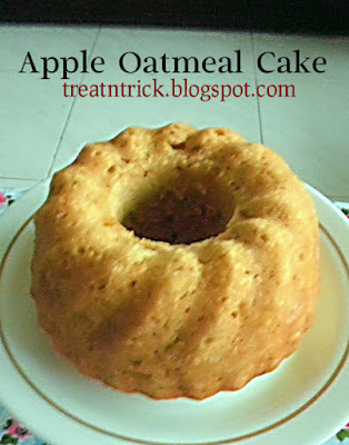 apple oatmeal cake recipe @ http://treatntrick.blogspot.com