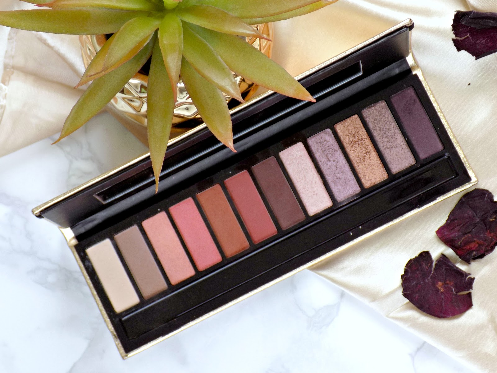 Girls With Attitude Bombshell Eyeshadow Palette