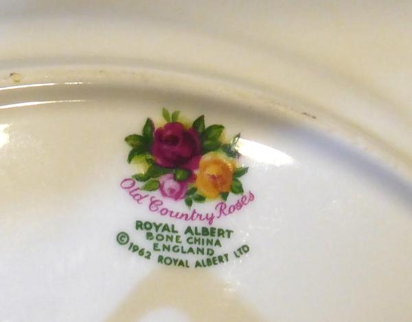 Dating royal albert bone china