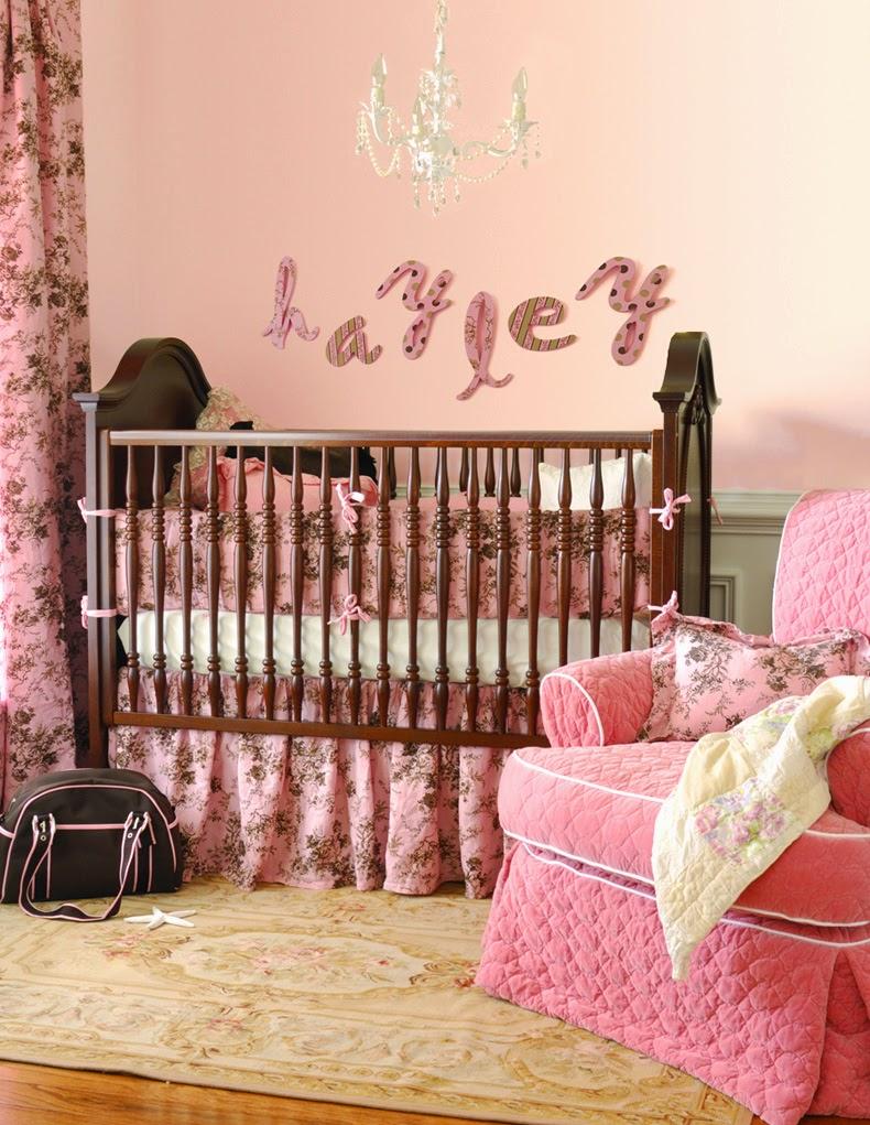 dormitorio bebé marrón rosa
