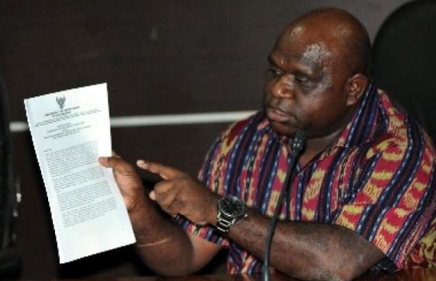Diancam Dimakzulkan karena Membela Ulama, Natalius Pigai Buat Surat Terbuka