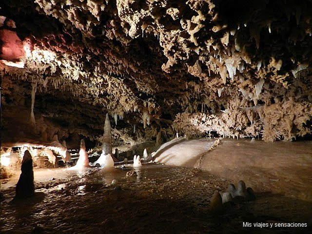 Las Grottes Du Grand Roc, Périgord, Francia