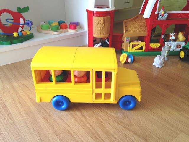 school-bus-tupperware-vintage