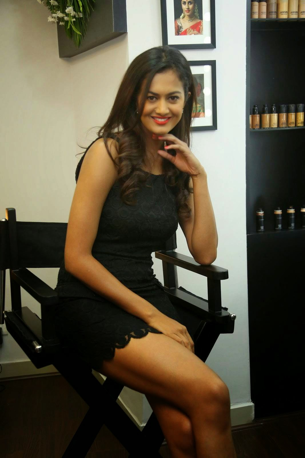 Telugu Actress Shubra Aiyappa, Shubra Aiyappa Hot Legs & thighs images in Short black Dress