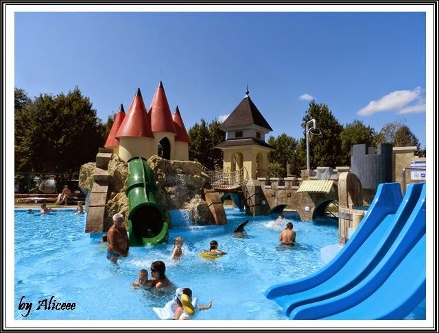 piscina-castel-topogane-Hajduszoboszlo