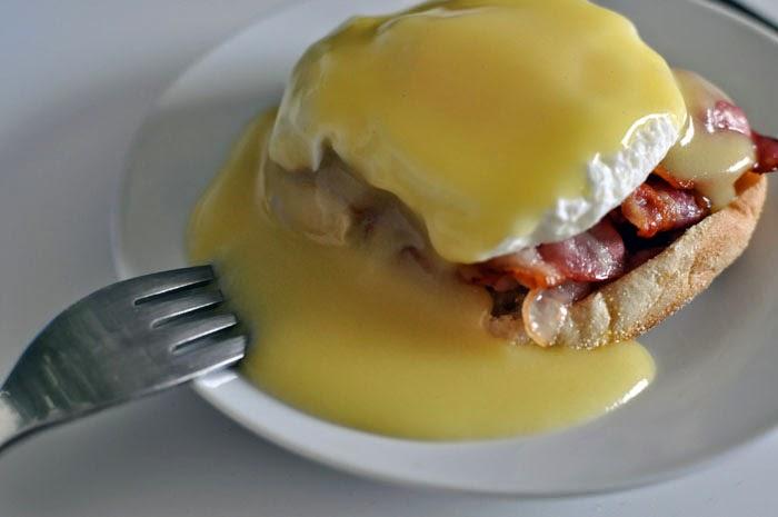 Very simple Eggs Benedict recipe
