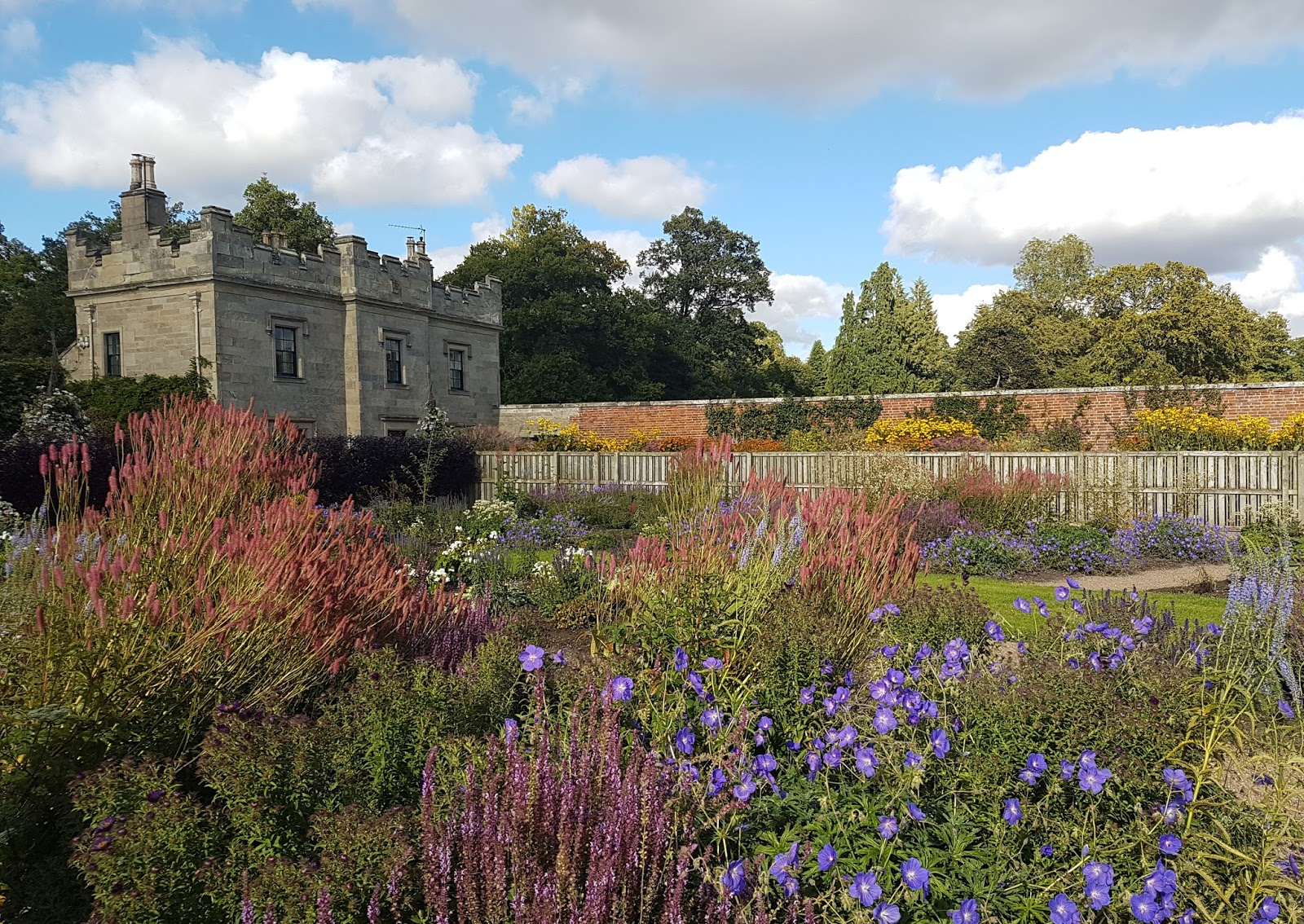 Quirky Bird Gardener Blog: Bracken visits Floors Castle Gardens