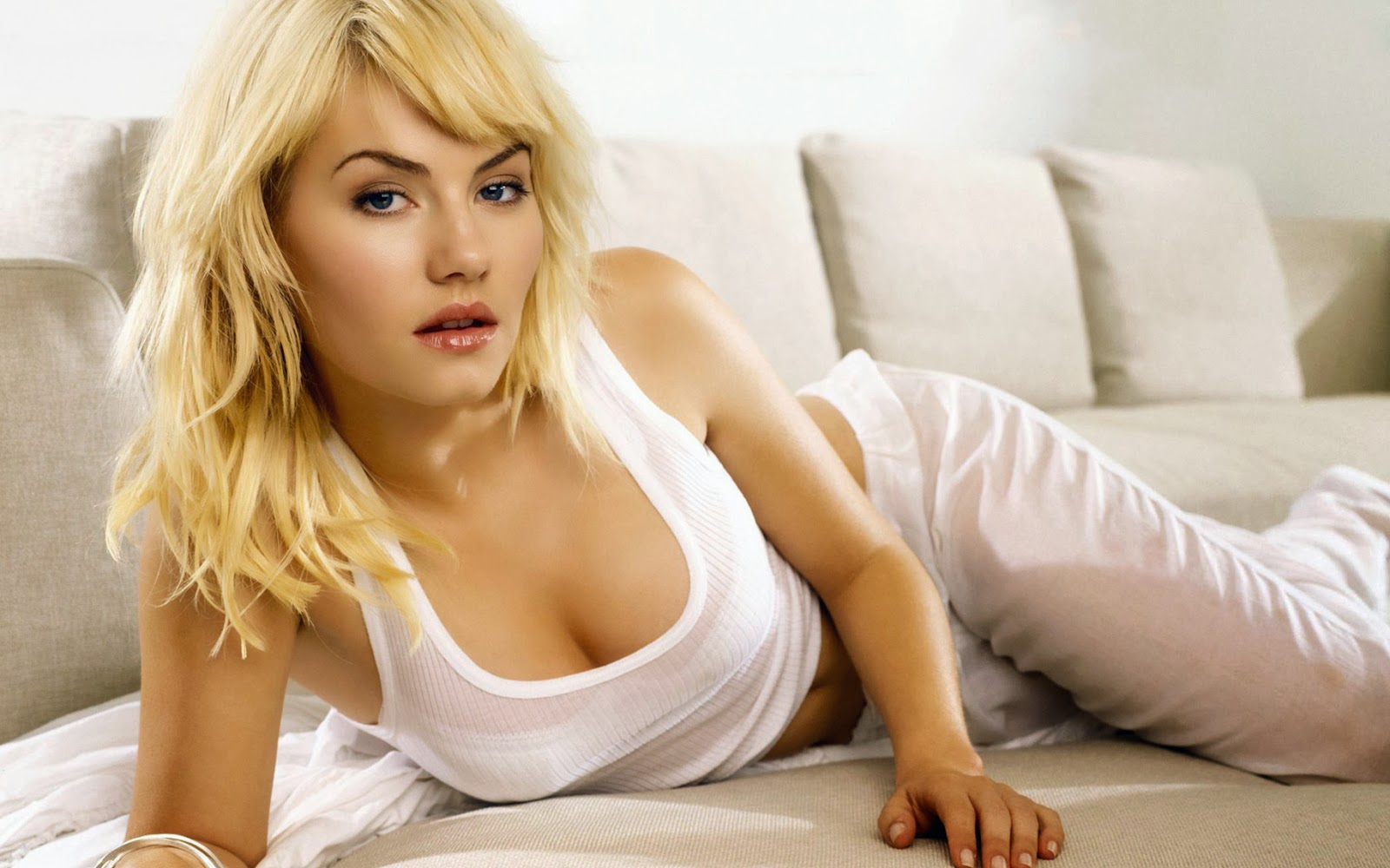 Elisha cuthbert girl next door mmmmmm 7