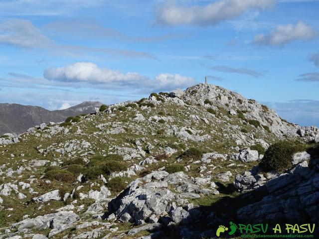 Sierra de Juan Robre: Llegando a la cima del Forcao del Cuerno