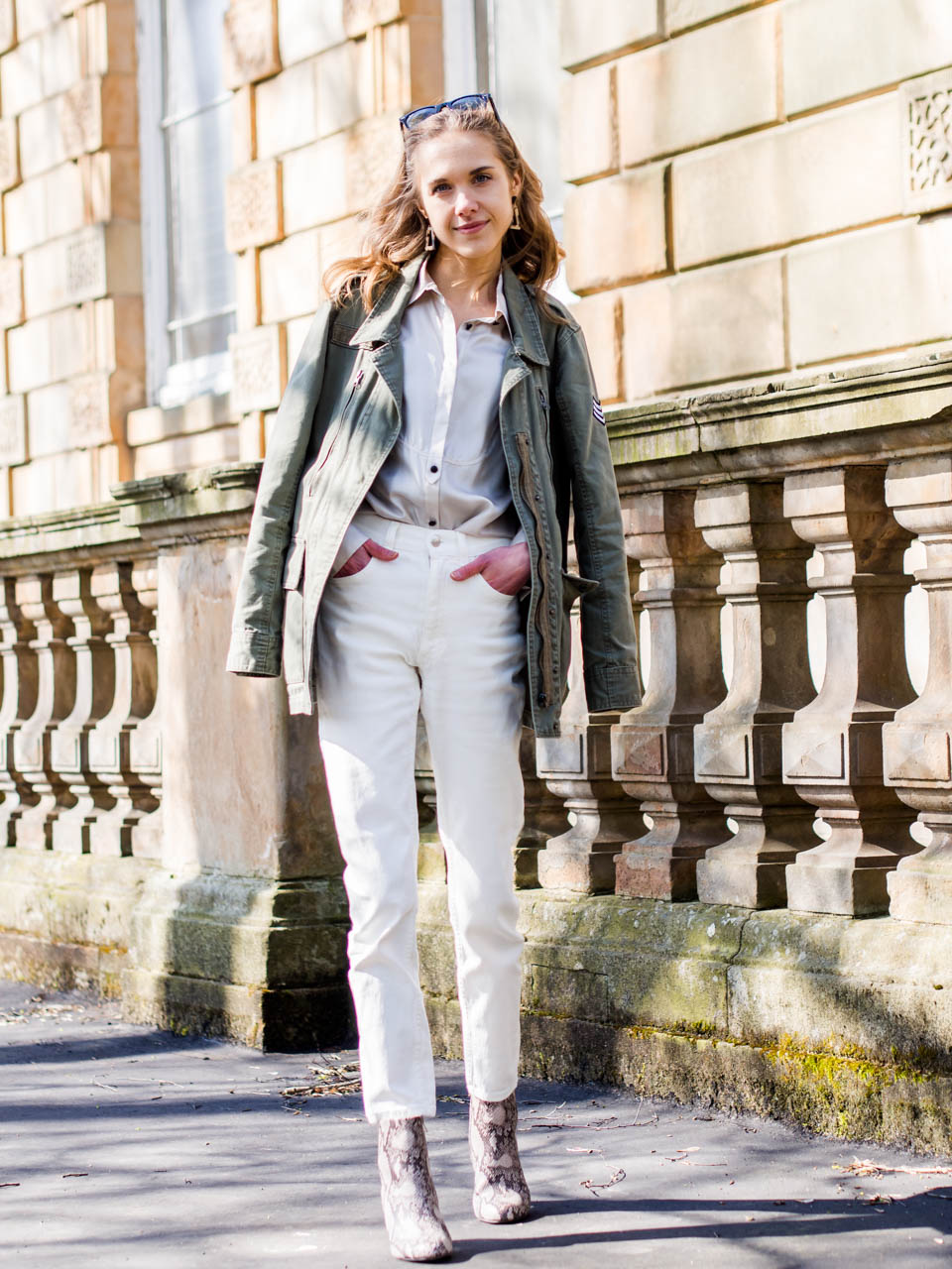 spring-fashion-trends-2019-utility-cargo-jacket-white-mom-jeans