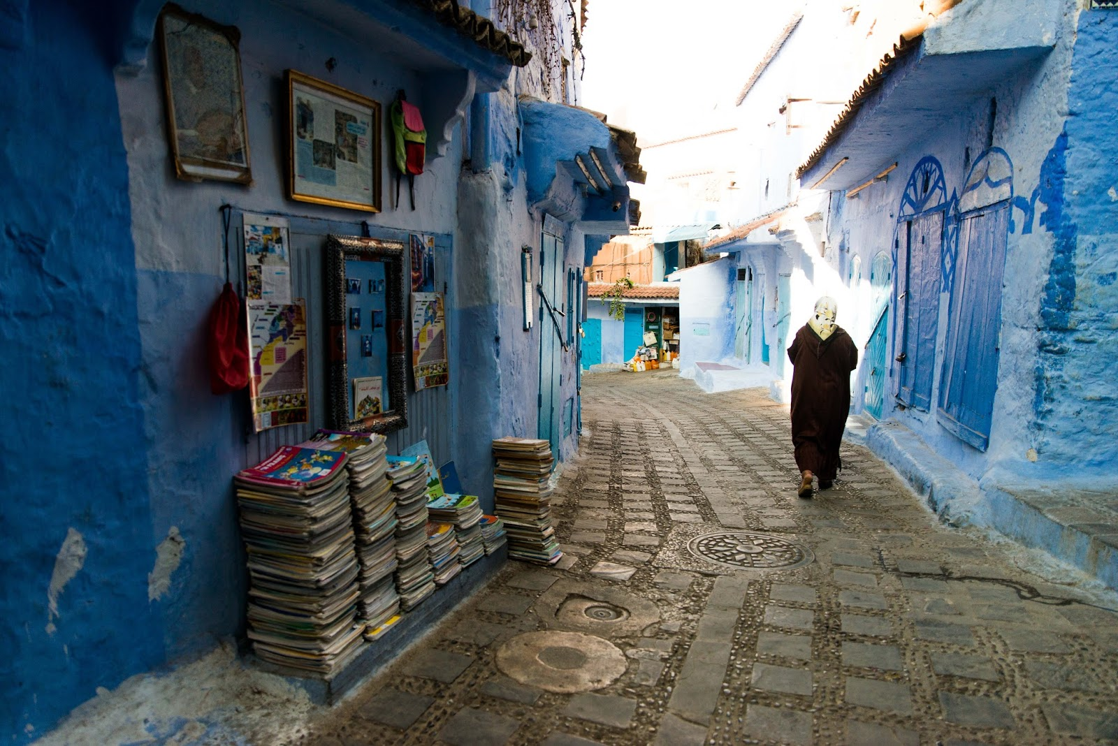 how to take good photos in Chefchaouen morocco liquid grain liquidgrain