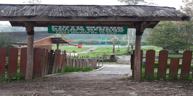 Kolam Renang Kampung Cai Ranca Upas Ciwidey Bandung