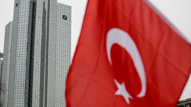 Bloomberg: Οι τουρκικές τράπεζες μαθαίνουν πως όλα τα ωραία κάποτε τελειώνουν
