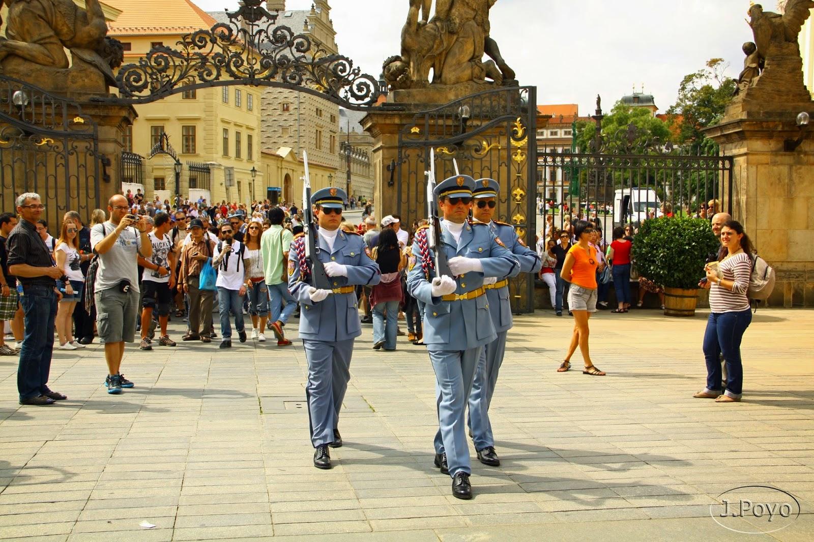 Cambio de guardia del Palacio Real de Praga