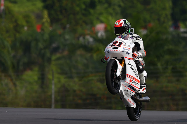 Bagnaia Claims Victory in Malaysia to Light up Diwali Weekend for Mahindra Racing