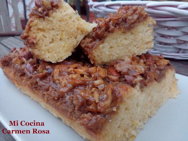 Torta De Jengibre Y Vainilla Con Nueces Y Almendras Caramelizadas