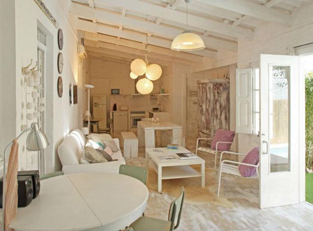 si logras unificar con el color el suelo pared y el techo abras dado un gran paso esta pequea idea te dar cierta ventaja a la hora de decorar casas - Como Decorar Una Casa Pequea