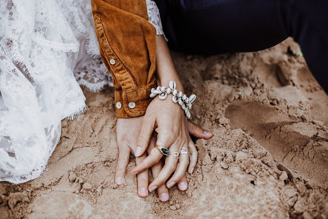 SARAH EVERYTHING PHOTOGRAPHY THE FEATHERETTE GERMAN WEDDING STYLED INSPIRATION INDIAN INSPIRED GOA